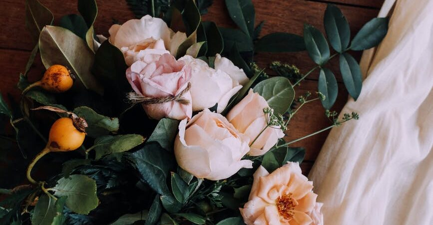 TOP 3 BEAUTIFUL VALENTINE'S DAY FLOWERS IN INDIA